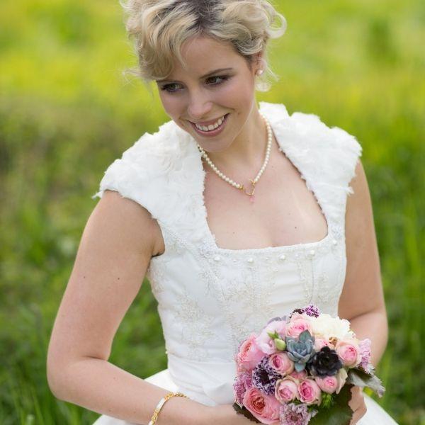 Verträumter Luxus in Tracht | Trachtenhochzeiten | Braut ...
