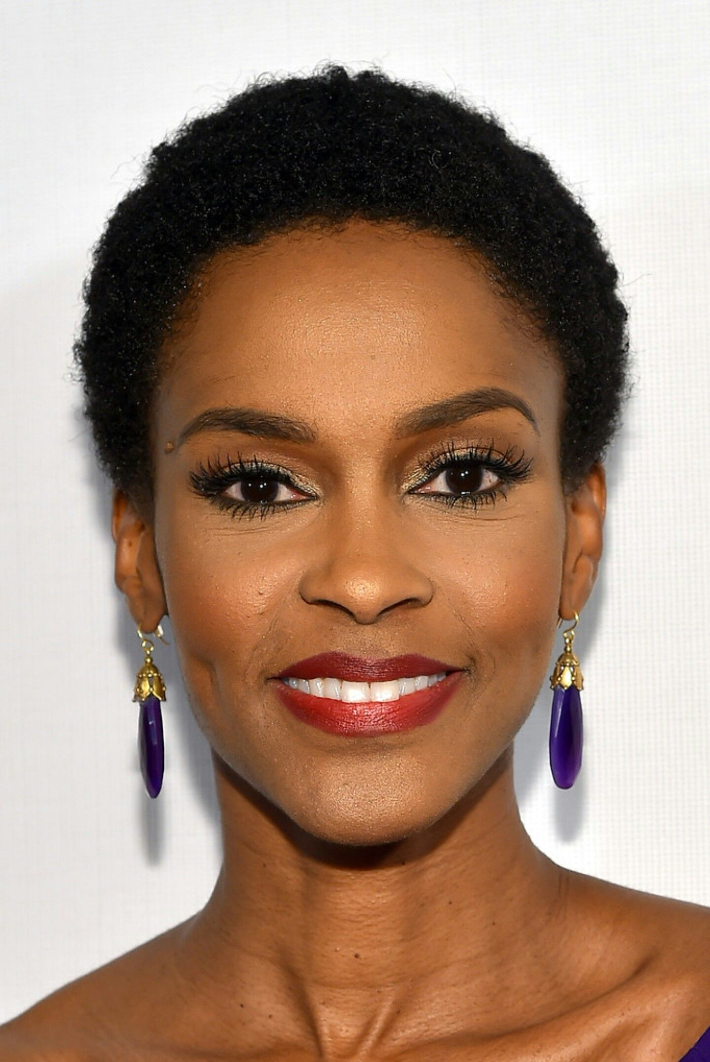 Uncategorized short gray african american hairstyles 4 tight curls short hairstyle 2013 - Kim Hawthorne Face