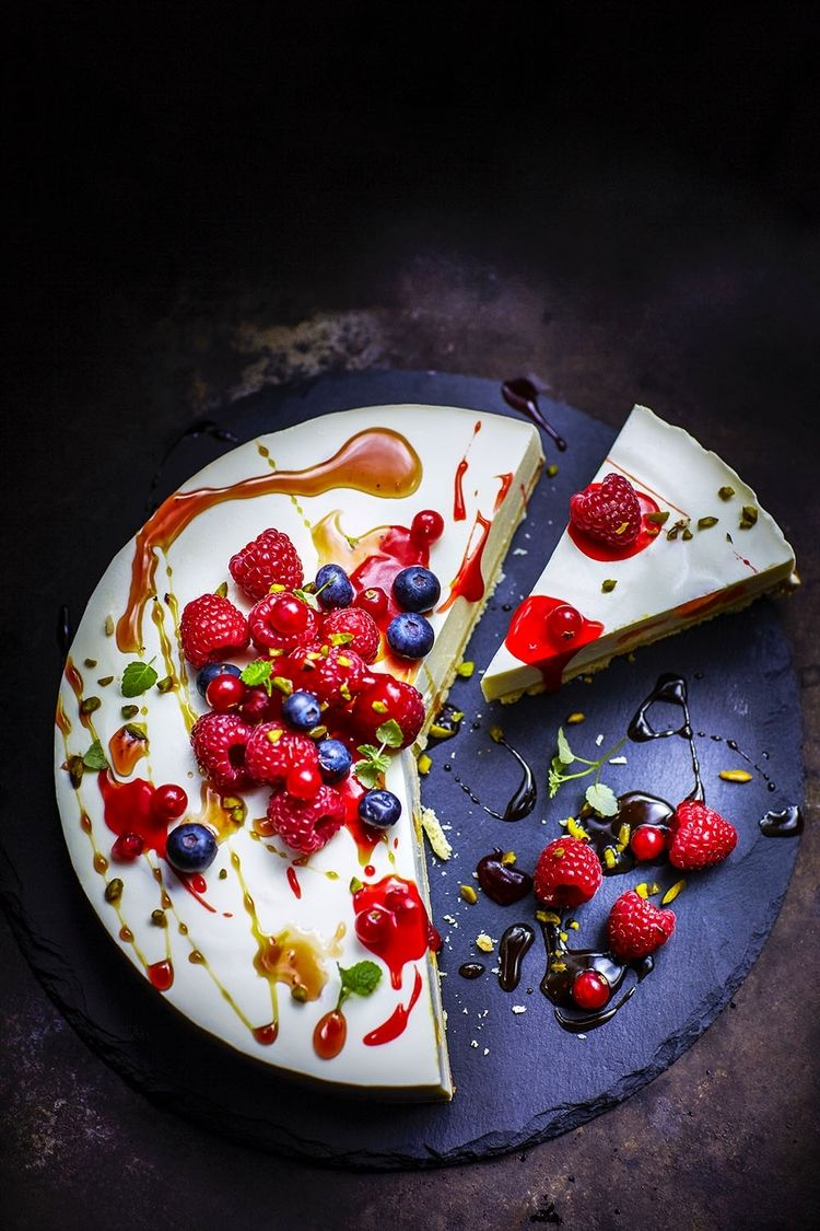 Cream Cheesecake with berries