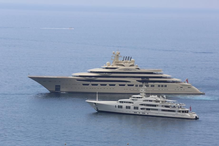 Yacht Dilbar With Images Big Yachts Boats Luxury Yacht Boat