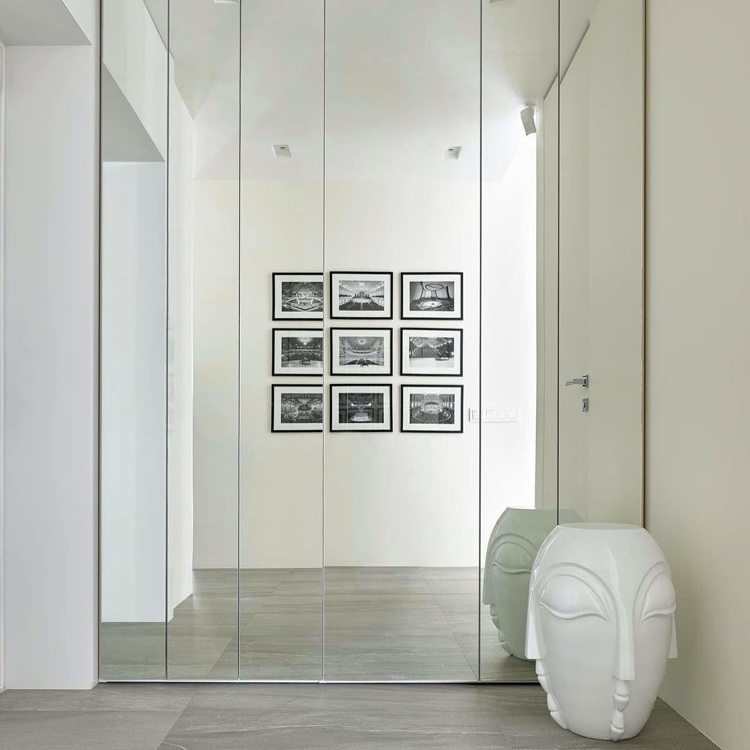 Porte Filo Muro Specchio the wardrobe turns in an invisible mirror. #wardrobe #home