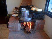 café caipira servido no fogão a lenha rancho pompéia estância de socorro sp
