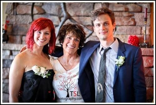 Kirsten Vangsness Wedding Photos.With His Sister At Their Mom S Wedding Matthew Gray My Spence