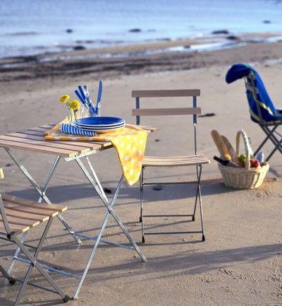 La empresa ikea nos propone este set de sillas y mesa de - Sillas de jardin ikea ...