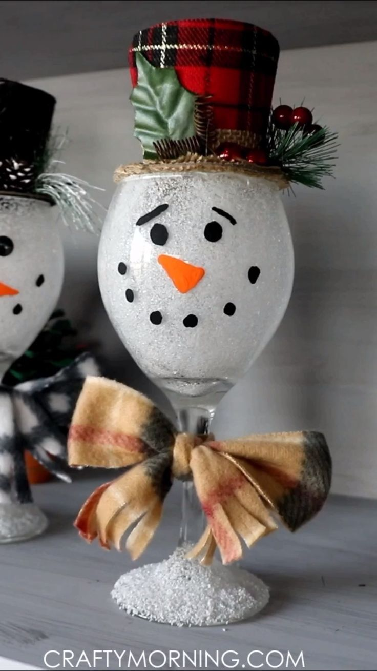 Wine Glass Snowmen- cute winter christmas craft for kids and adults! Fun DIY project for christmas home decor. Fun snowman art project to make. Wine G...