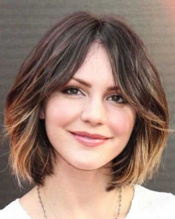 Short Haircuts For Round Faces And Thin Hair Round Face Haircut Styles For Women Suit Face Shape Haircut Haircuts For Wavy Hair Hair Styles Short Ombre Hair