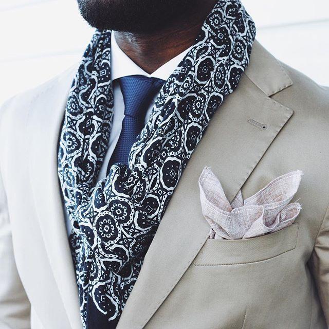 Our ambassador @gilbertofori has done it again :point_up_2::necktie: www.Oscarwoodington.com