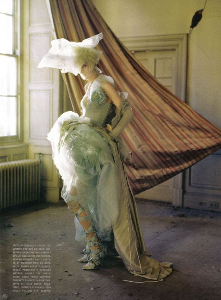 Lady Grey - Stella Tennant in Valentino Haute Couture s/s 2008 - March 2010 - Vogue Italia Unique - Styling Jacob K - Tim Walker