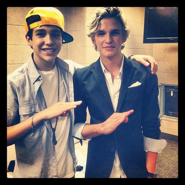 Austin And Cody They Really Got Slimed At The Kca Kids Choice Awards That Was Really Funny Austin Mahone Cody Simpson Austin Mohone