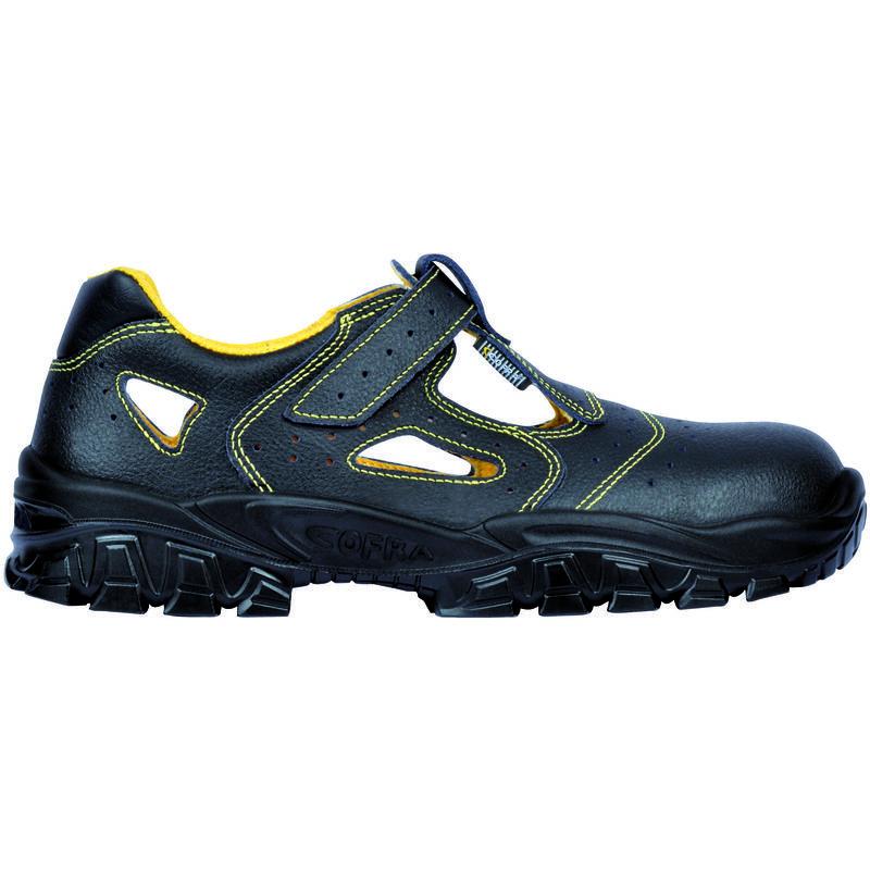 Chaussures de sécurité | Hiking boots, Boots, Sneakers