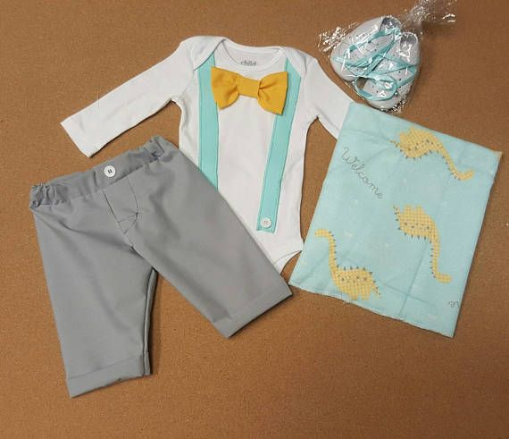 Check out this item in my Etsy shop https://www.etsy.com/listing/511202894/3-pieces-newborn-boy-take-home-outfit