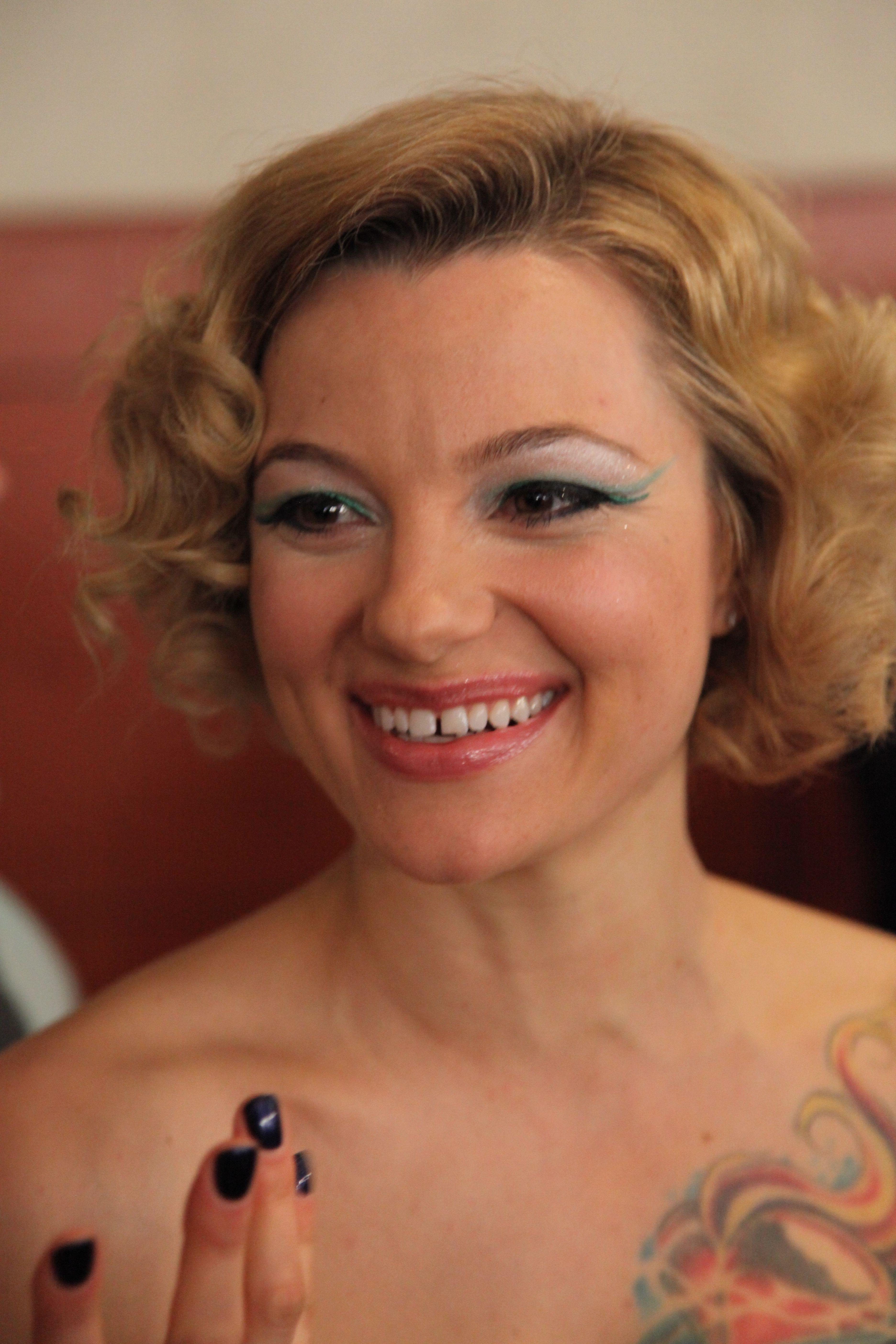 debyut-aktrisi-belladonni-porno-v-uou-tuve