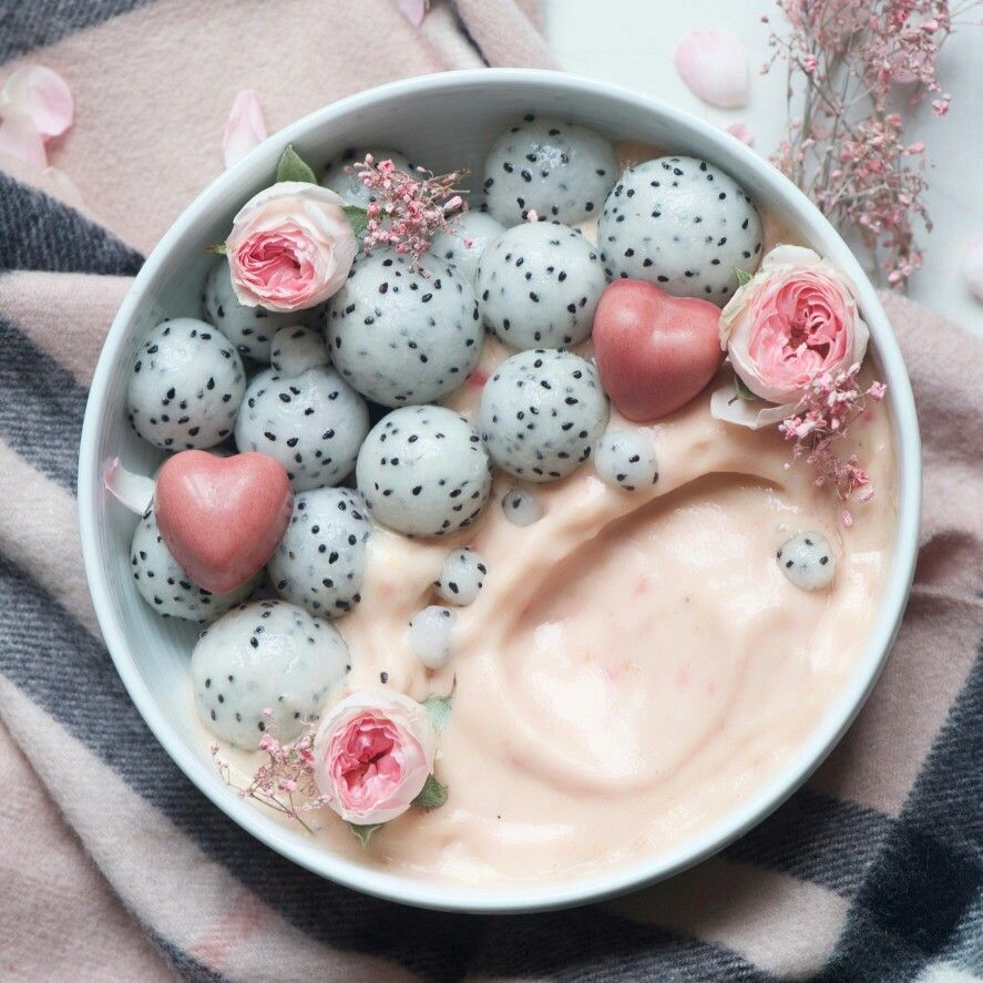 15 Smoothie Bowls You Will Absolutely Go Insane Over