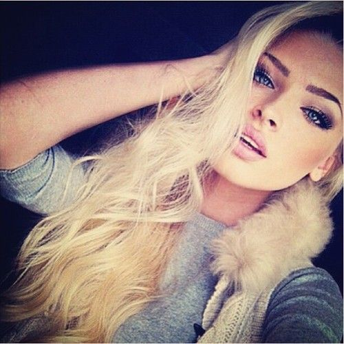 alena shishkova eye brow are perfect I need mines to look this great