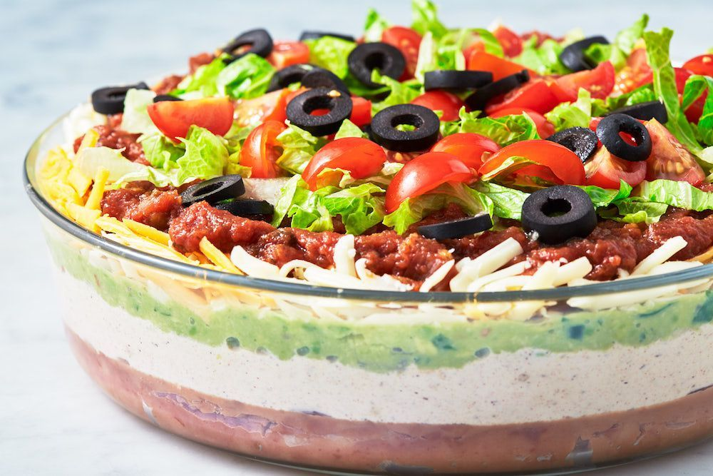 You Can't Host A Super Bowl Party Without This 7 Layer Dip