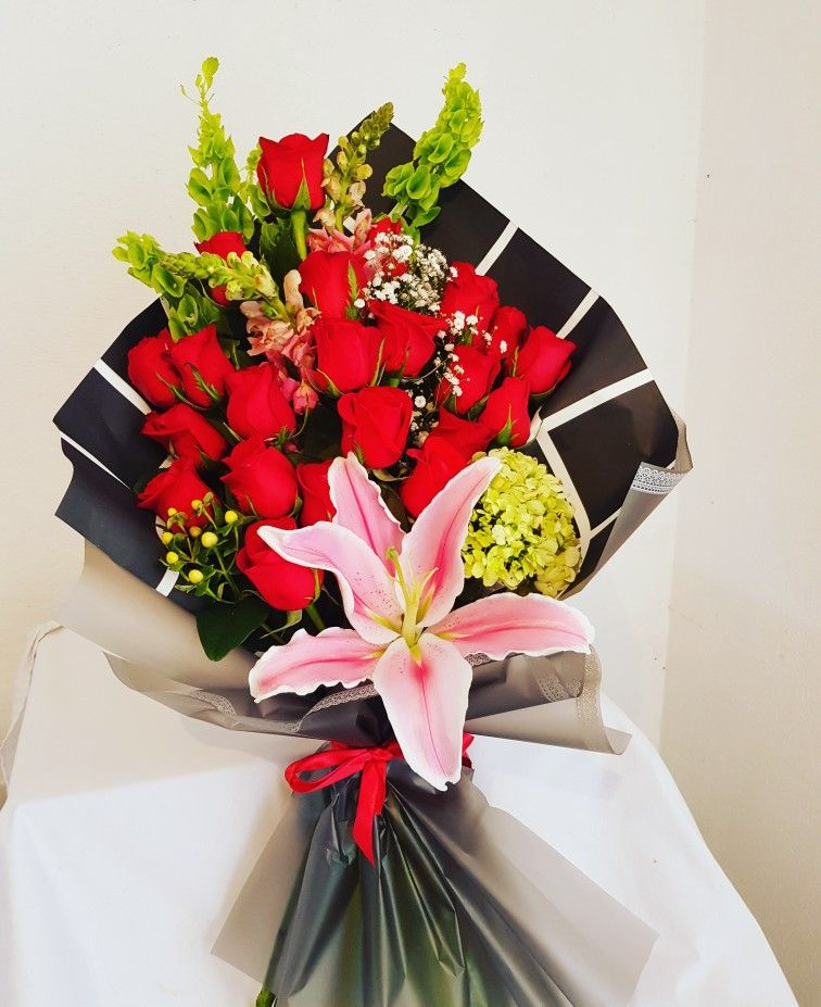 Ramo De 24 Rosas Rojas Ramo De Rosas Rojas Ramo De Rosas Ramos De Flores