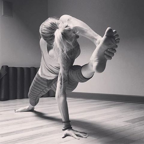 yogasupqueen switches the perspective on this strong and