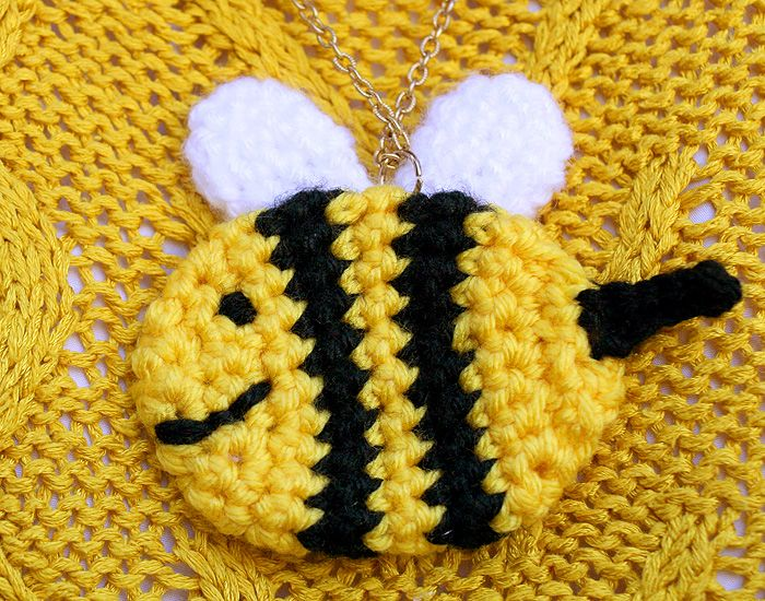 Bee crochet pendant free pattern | CROCHET THINGS I WANT TO MAKE ...