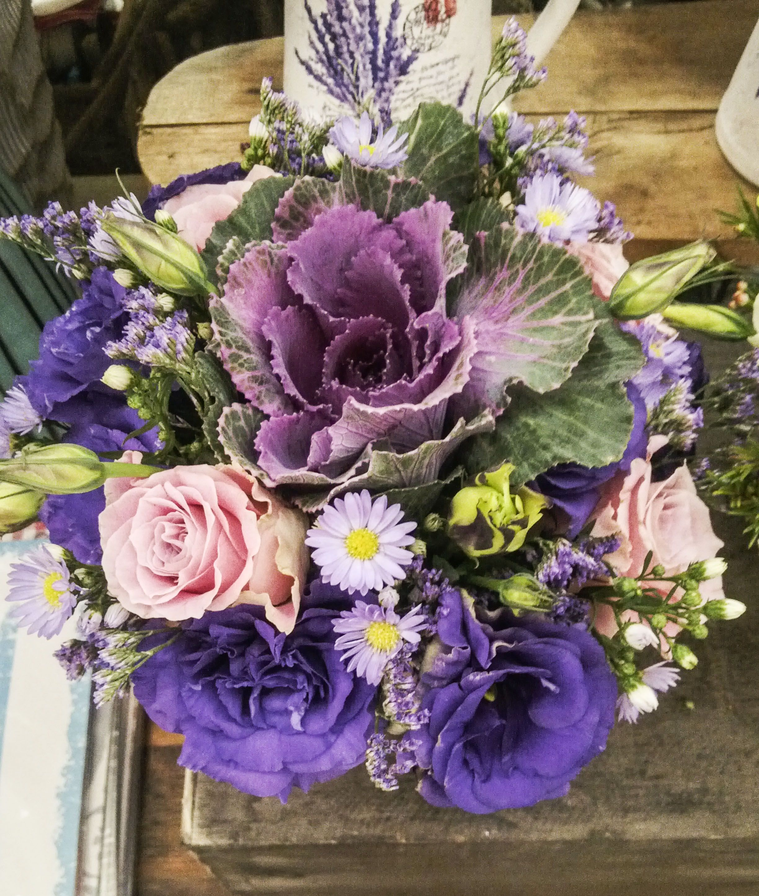 www.facebook.com/fabulousflowers #arrangement #flowers #