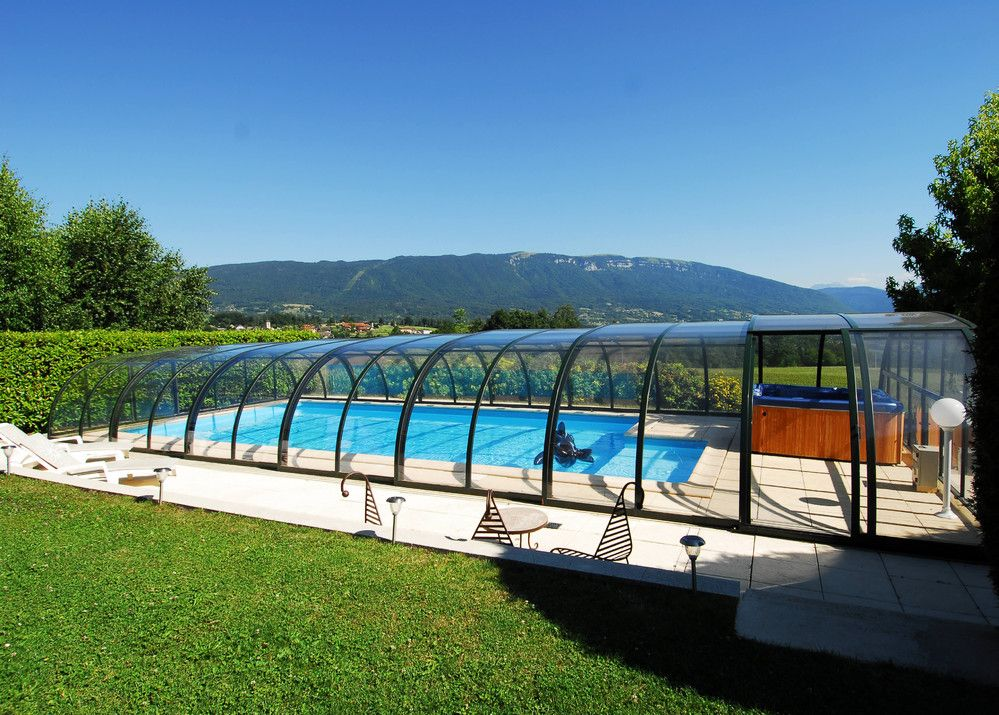 15 Stylish Pool Enclosure For Year Round Pool Usage Pool Enclosures Swimming Pool Enclosures Swimming Pools