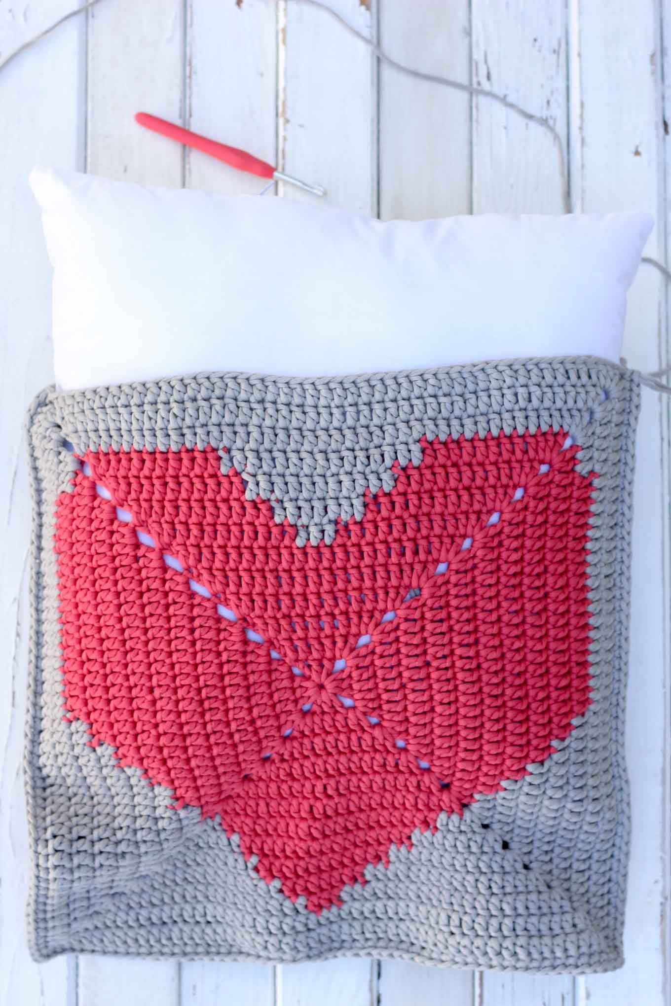 House or dorm warming free crochet pillow pattern crochet pillow house or dorm warming free crochet pillow pattern bankloansurffo Image collections