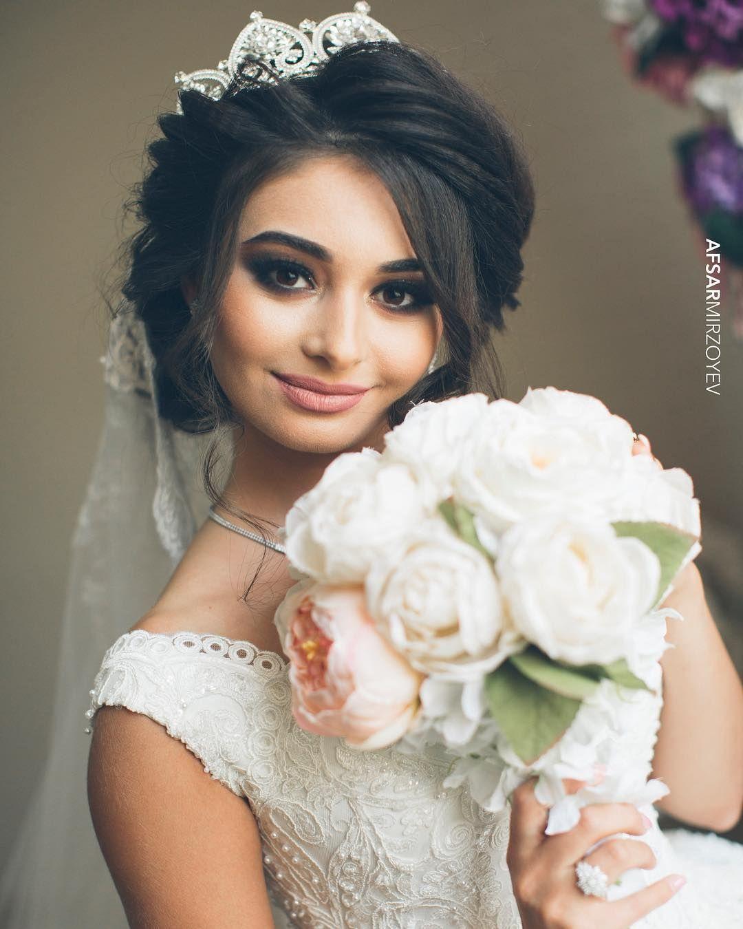 مكياج ناعم للعرايس Wedding Dresses Lace Hair Makeup Wedding Dresses