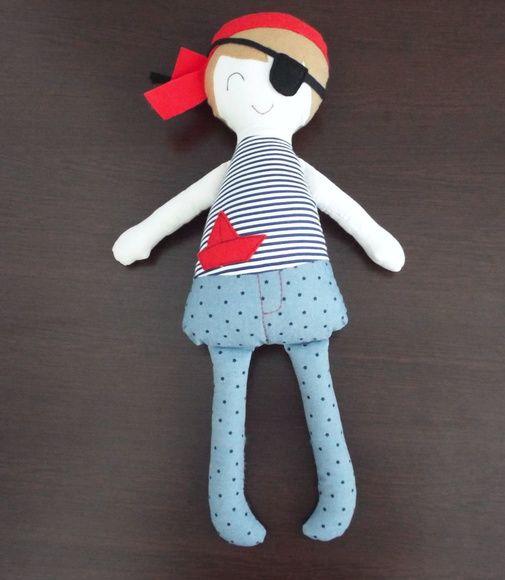 Boneco - Pirata Jack boneco de pano, boneco pirata, boneca de pano, boneca para brincar, naninha, boneca amiga, boneca artesanal, boneca bailarina, boneca rosa, fabric doll, doll, rag dolls