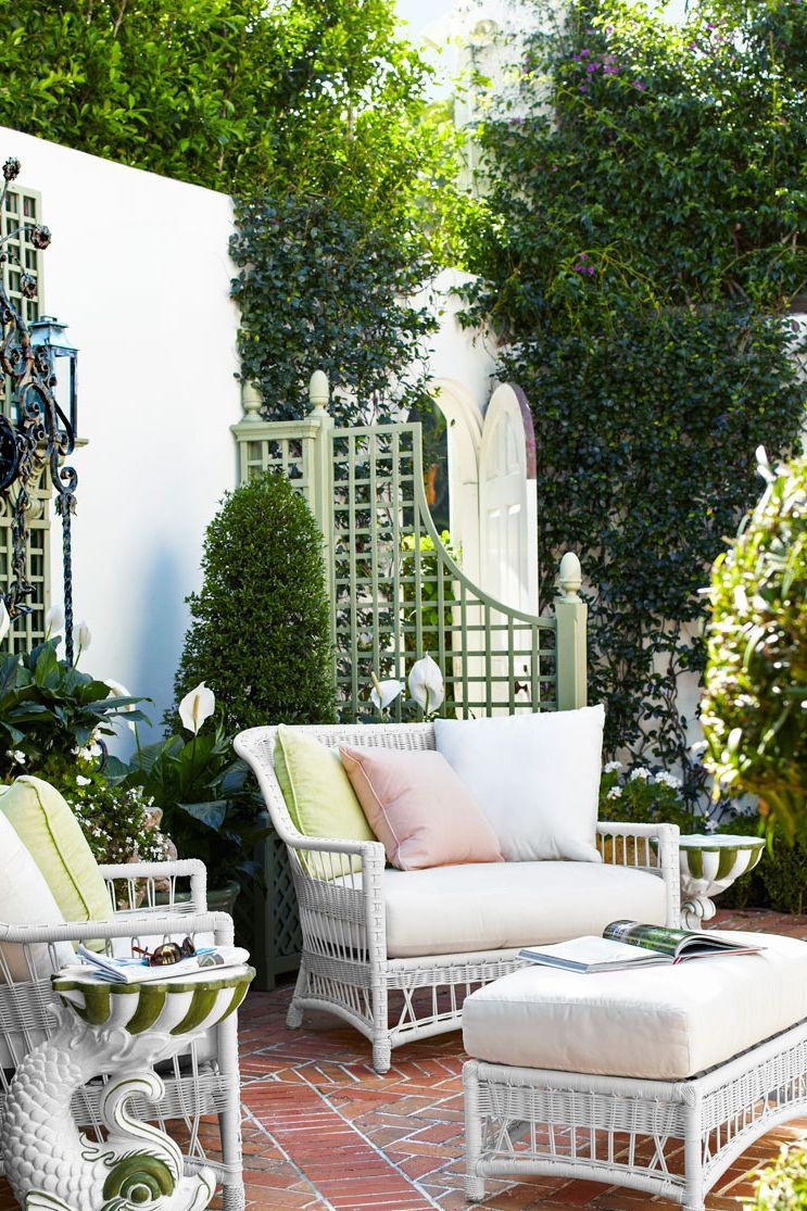 50 Chic Patio Ideas To Try In Your Backyard In 2020 Patio Outdoor Decor Outdoor Furniture Decor