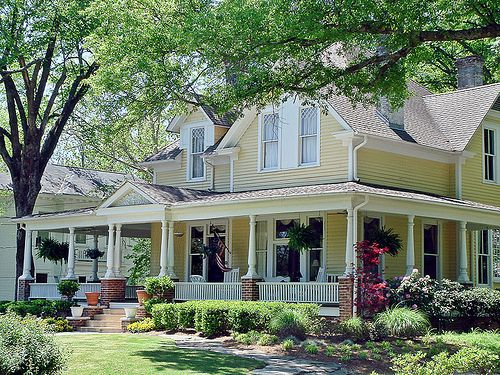 sob why cant uk houses be like this traditional american house - Traditional American Homes