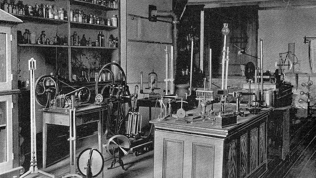 ChemistryLab Old School Chemistry labs, Art, Reference images