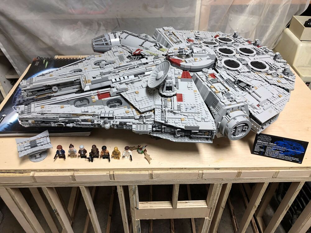 Lego Star Wars Ultimate Collector S Millennium Falcon 75192 Lego Ucs Lego Star Wars Millennium Falcon