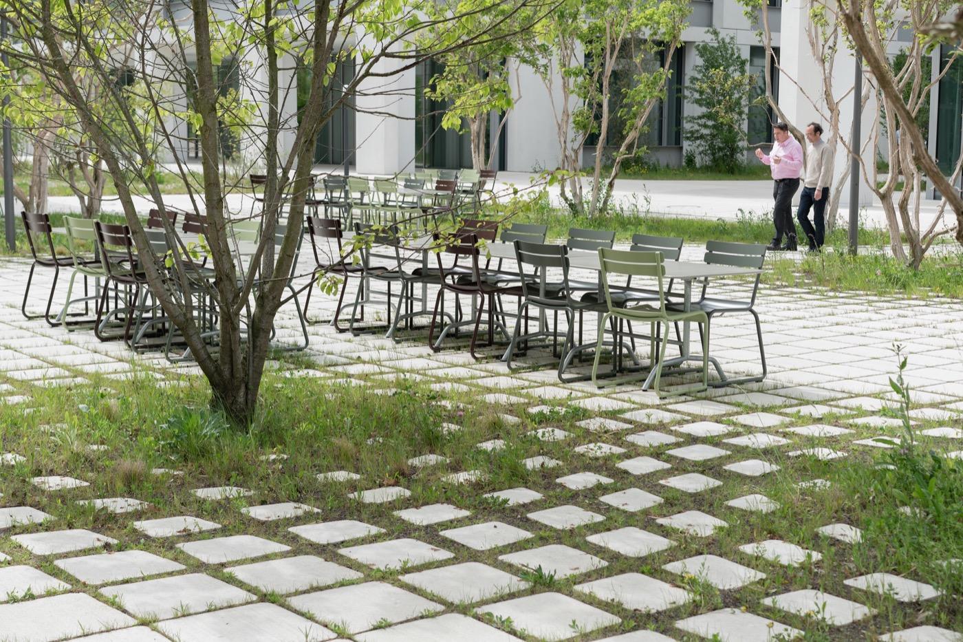 Roche Campus Kaiseraugst Landezine International Landscape Award Lila En 2020 Amenagement Paysager Parc Urbain Espace Public