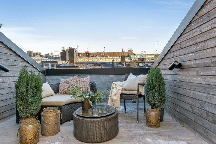 Duplex Con 3 Balcones Y Terraza Aticos Diseno De Terraza Decoracion Sueca
