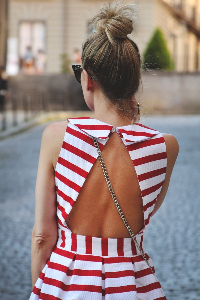 cec87c367cb93 red and white striped dress | fashion | Fashion, Dress backs, Open ...