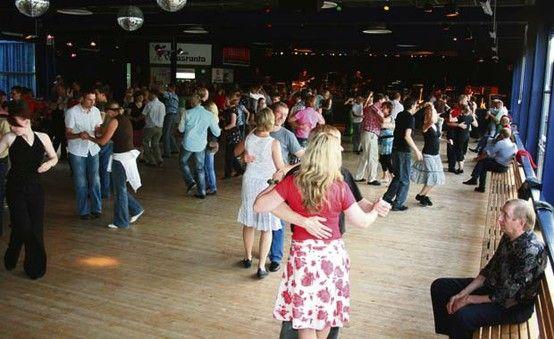 tangon taikaa suomalaisella tanssilavalla -  Tango magic on a Finnish dance pavillion/tylkkäri.fi