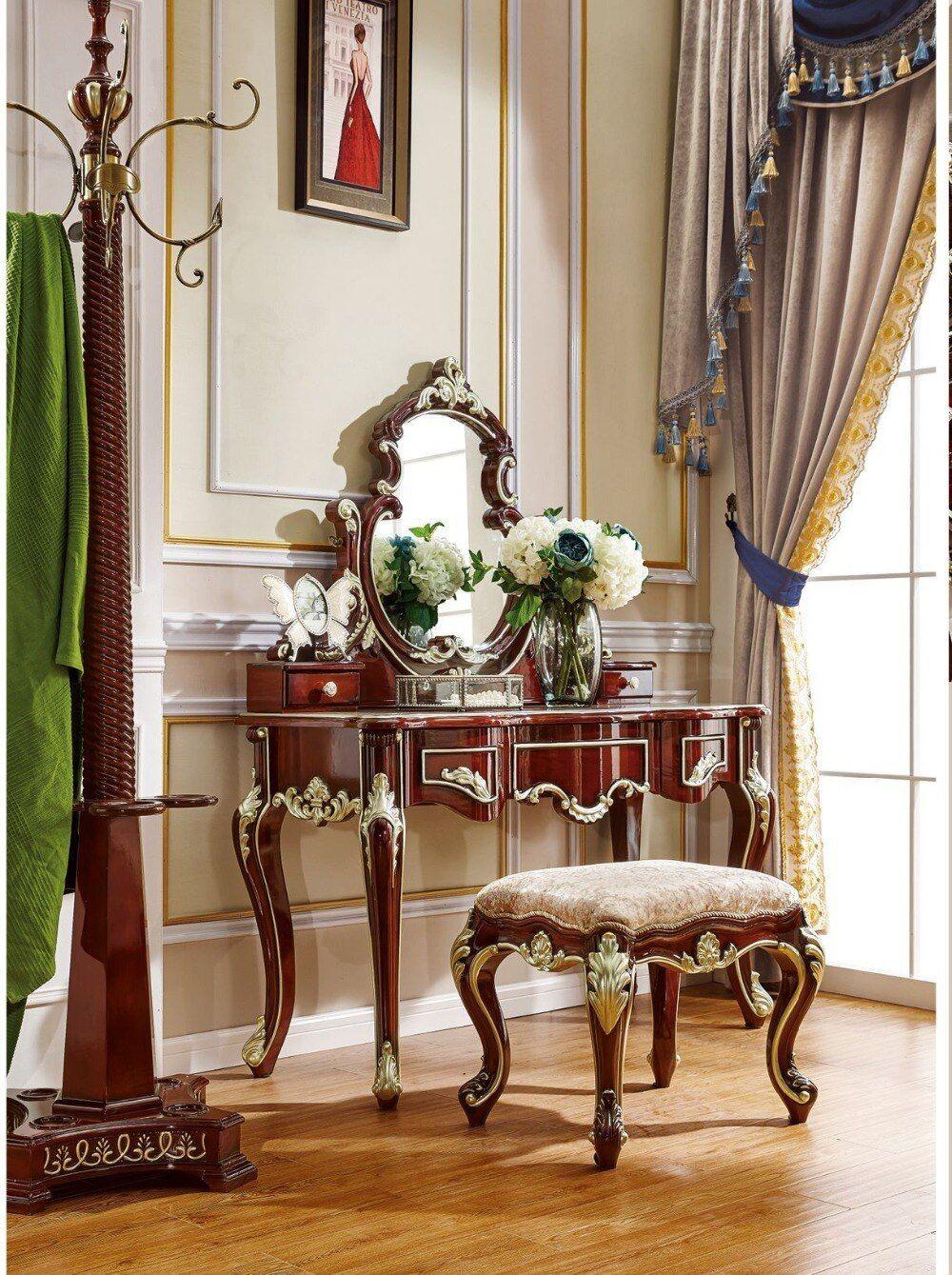 Dressing table. Solid wood bedroom dresser. Bedroom