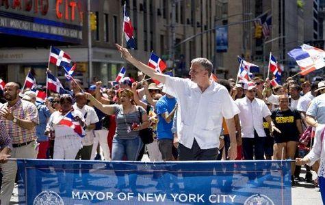 Dominicanos se niegan a desfilar con alcalde de Nueva York
