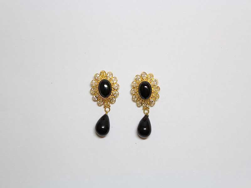 KHIMJI JEWELLERS - adorning you on every occasion || Gold Earrings ...