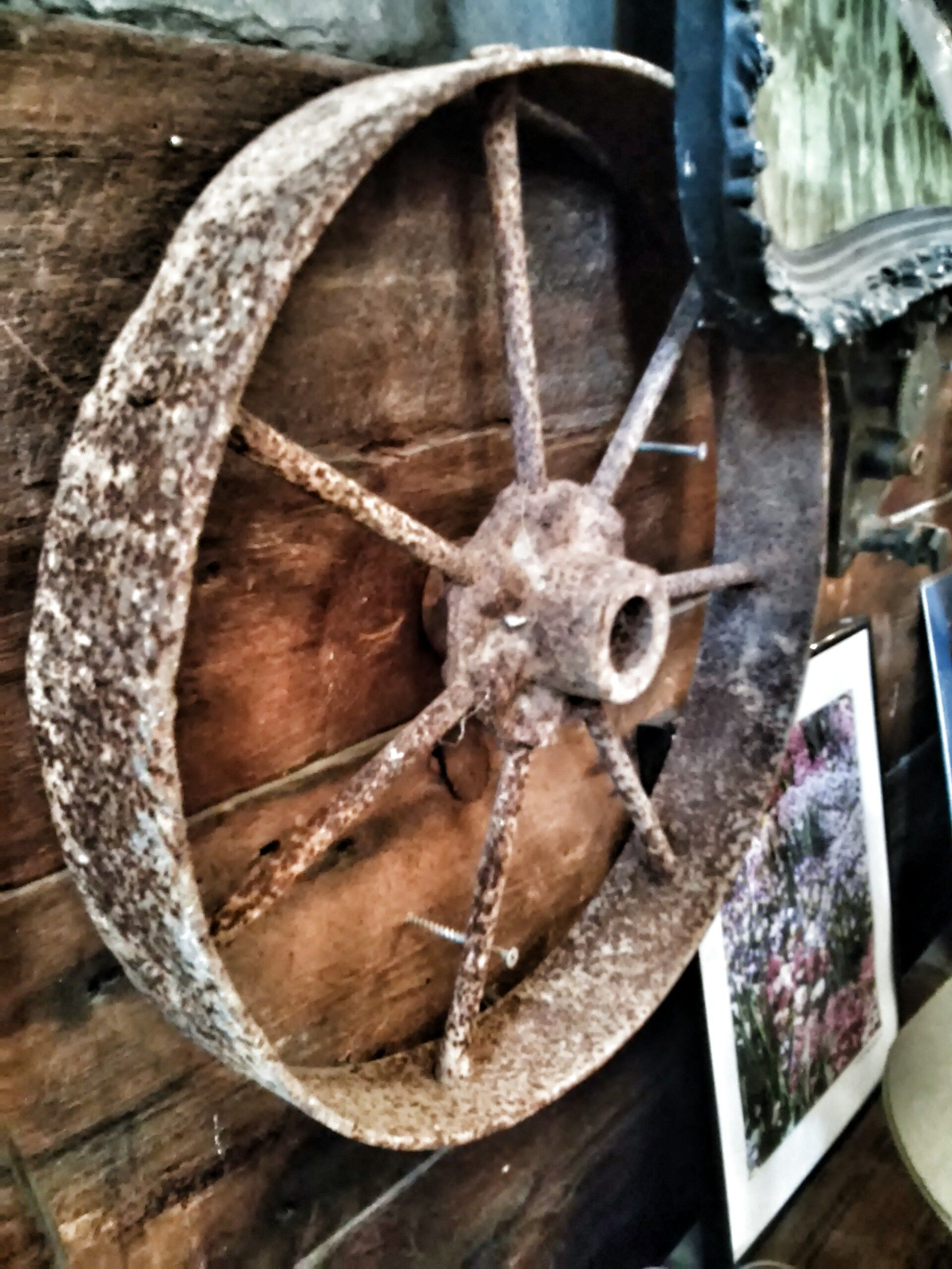 Decorative Vintage Wheel With Images Decor Furniture Making Wooden