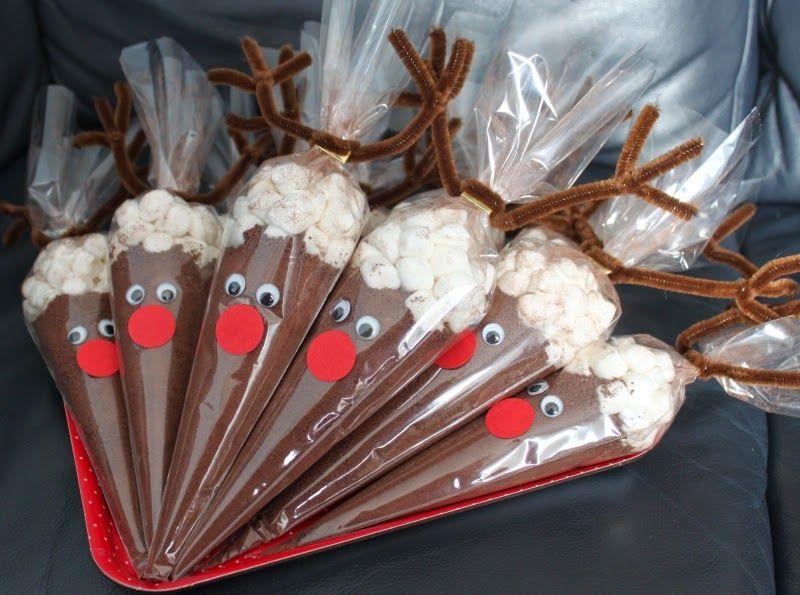 Rentier Rudolph bietet dieses Jahr auf dem Weihnachtsmarkt heiße Schokoladenmischungen an.....    Die Verpackung ist relativ schnell gestalt... #kleineweihnachtsgeschenkebasteln
