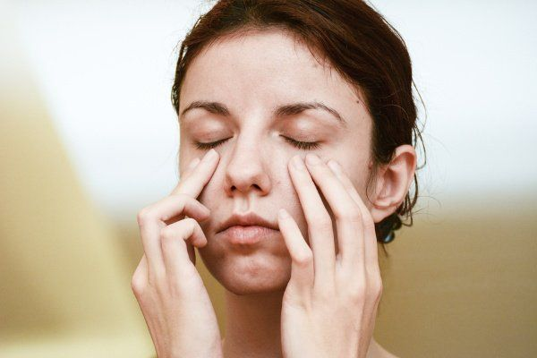 How to Get Rid of Dark Circles Under Your Eyes: 8 Tips ...