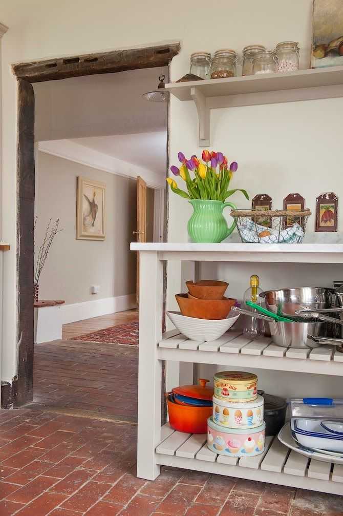 Un Carrito Sencillo Para Almacenar Cocina Renovada Muebles De Cocina Color De Diseno De Interiores