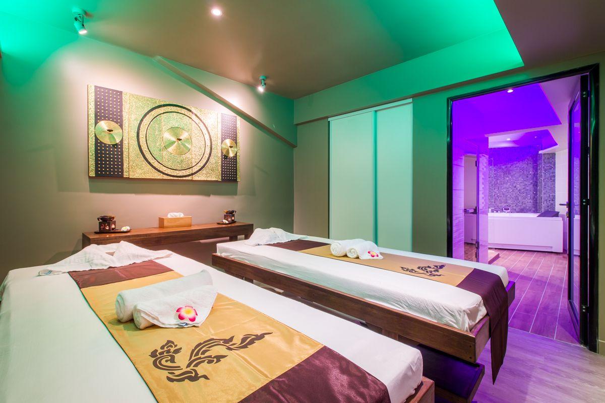 Nous Avons Teste Le Nouvel Espace Ban Thai Spa Trocadero Pour Un Massage Thai Des Pieds Massage Thai Massage Spa