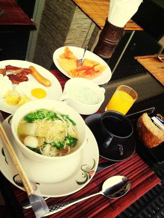今日も朝から食欲旺盛です。みんなちゃんと朝ご飯食べいますか。