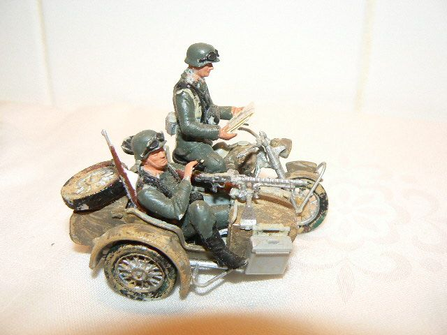 find diorama scenery items at http://www.modeltrainfigures.com