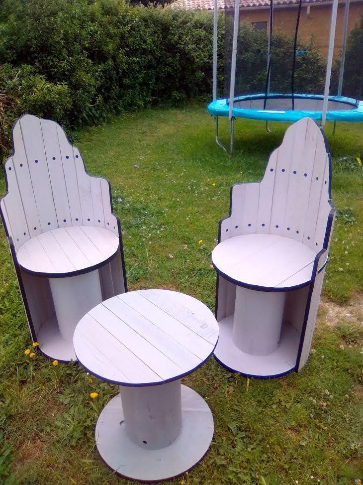 salon de jardin sur base de touret lectrique et de planche de bois recycl hauteur 115cm. Black Bedroom Furniture Sets. Home Design Ideas