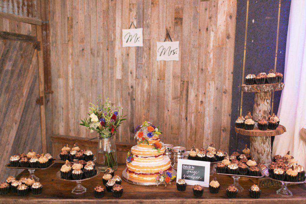 13 Stylish Dessert Stations Your Wedding Needs