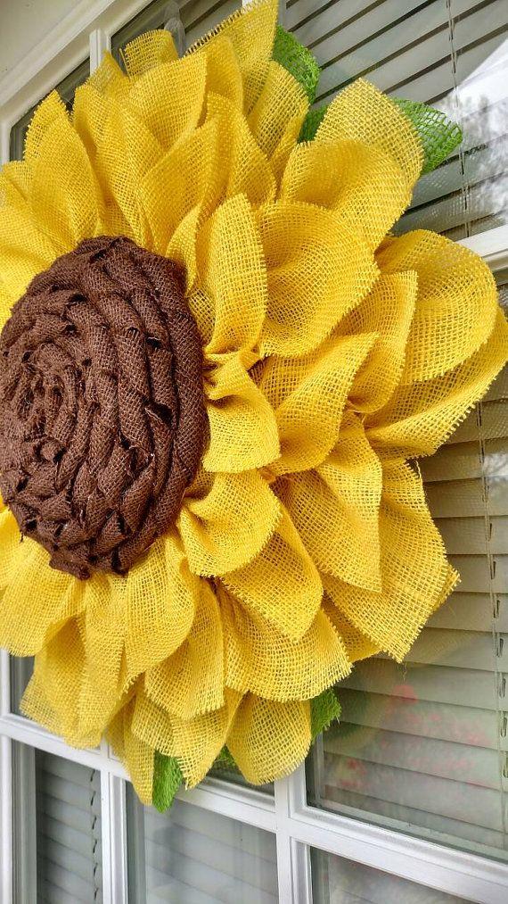 Photo of Sonnenblumenkranz, Sonnenblumenkranz für die Haustür, gelbe Sackleinen Sonnenblumenkranz, Herbstkranz, Sonnenblumenkranz für die Haustür Sackleinen