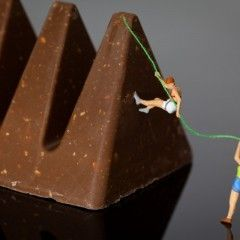 Climbing Mount Toblerone PHOTOGRAPHY : MINATURE SCENES / MACRO PHOTOGRAPHY / TANAKA TATSUYA / DIORAMAMore At FOSTERGINGER @ Pinterest‍♀️