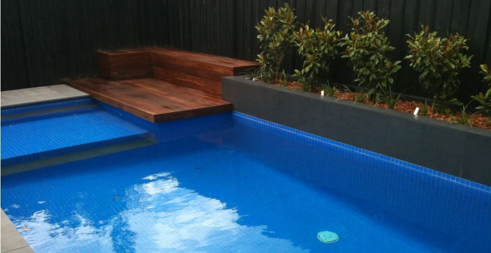 Pool landscaping decking and garden edging www for Pool and garden show perth